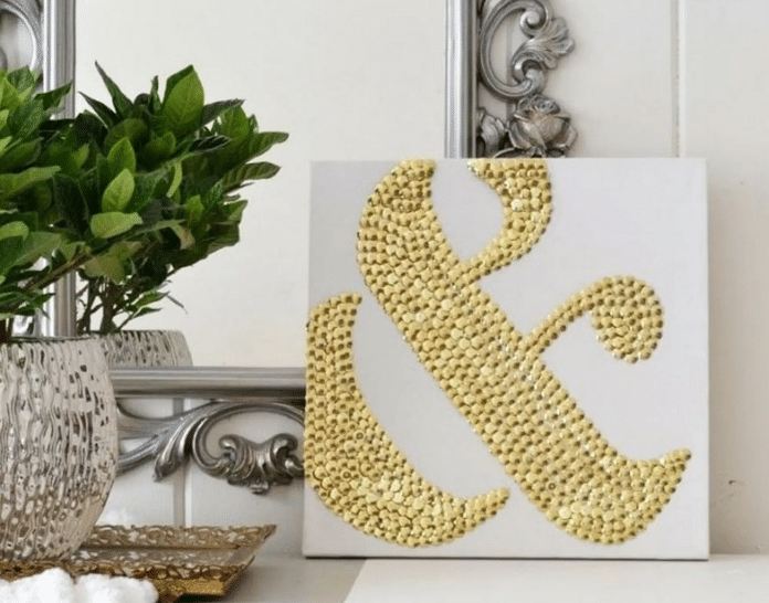 Decorate-Thumbtacks