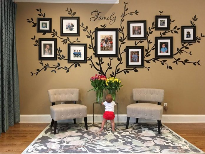Family-Room-Wall-Mural-Ideas