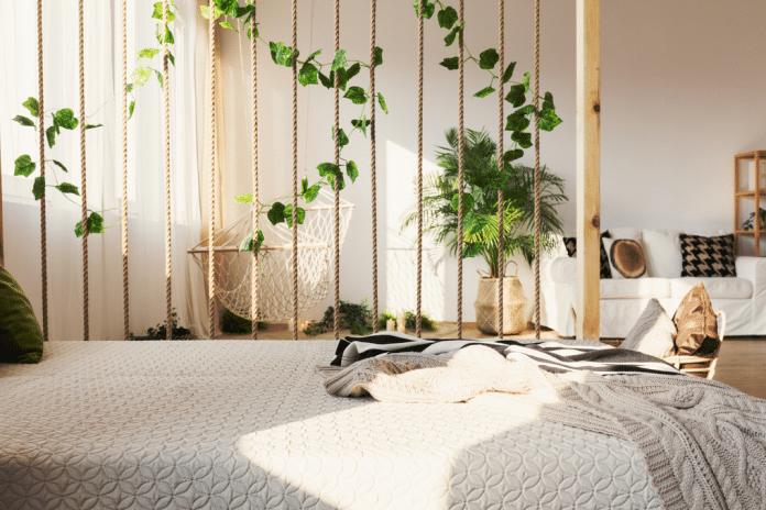 Tropical-Decor-in-Bedroom