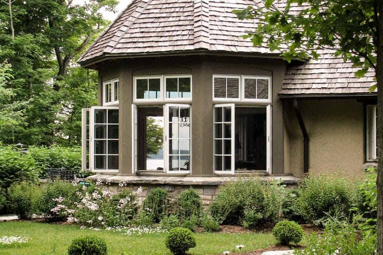 How to Change Your Old Windows into French Windows