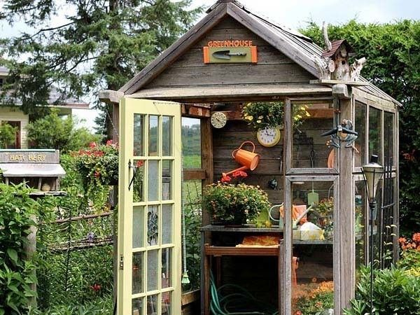 potting-bench-in-a-garden-shed