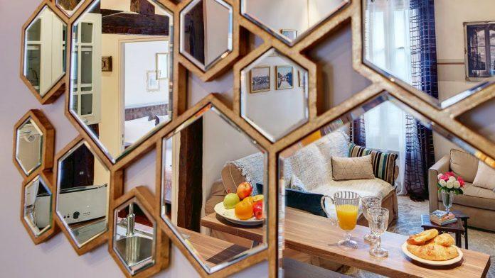Mirror-Decorating-Tricks