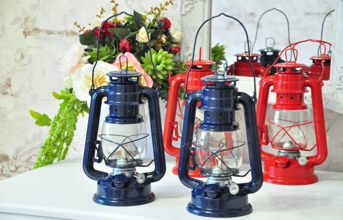 Vintage-Hanging-Oil-Lanterns