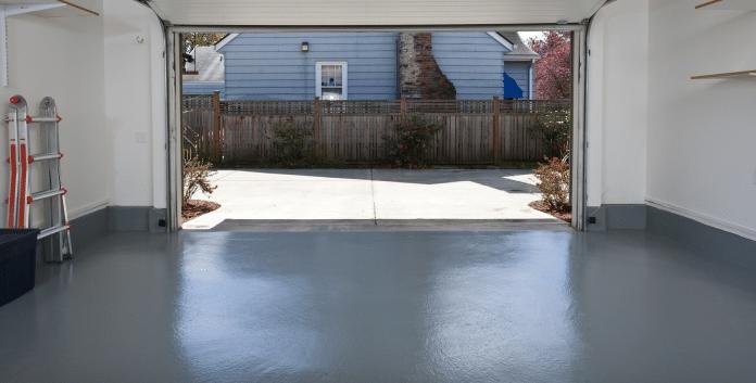 Applying-Garage-Floor-Paint